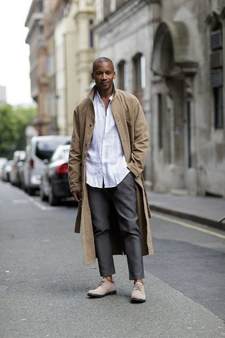 How to Wear Beige Suede Derby Shoes: Dial up your sprezzatura game in a tan trenchcoat and grey chinos. If you wish to easily kick up this ensemble with one piece, introduce beige suede derby shoes to the equation.