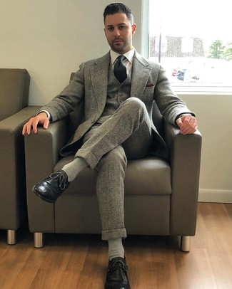 How to wear: grey wool three piece suit, white dress shirt, black leather brogues, black tie