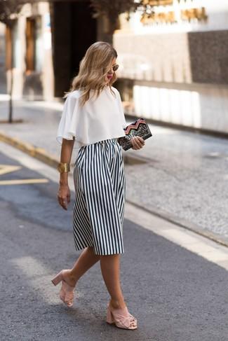 25a651853 Cómo combinar una falda de rayas verticales (35 looks de moda ...