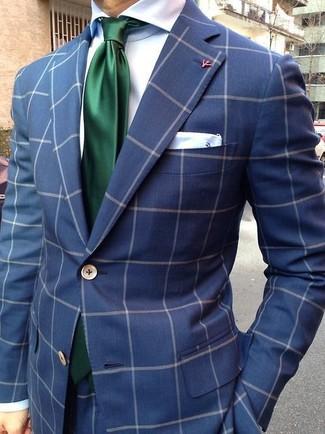 Cómo combinar: traje a cuadros azul marino, camisa de vestir de seda blanca, corbata de seda verde oscuro, pañuelo de bolsillo de seda blanco