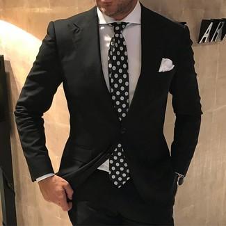 Traje negro para hombre combinaciones