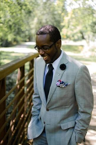 Cómo combinar: traje en verde menta, camisa de vestir blanca, corbata negra, pañuelo de bolsillo estampado en multicolor