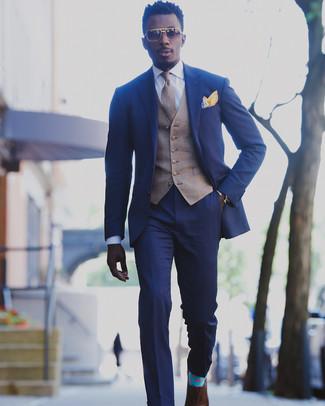 Cómo combinar: traje azul, chaleco de vestir de tartán marrón, camisa de vestir blanca, zapatos oxford de cuero marrónes