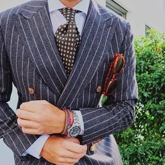 Cómo combinar: traje de rayas verticales gris, camisa de vestir celeste, corbata estampada verde oscuro