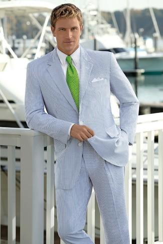 985bb4d0d2781 Look de moda  Traje de rayas verticales en blanco y azul marino ...