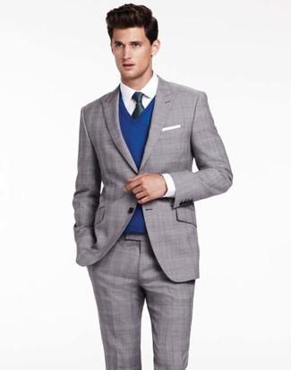 Cómo combinar: traje de tartán gris, jersey de pico azul, camisa de vestir blanca, corbata de seda verde oscuro