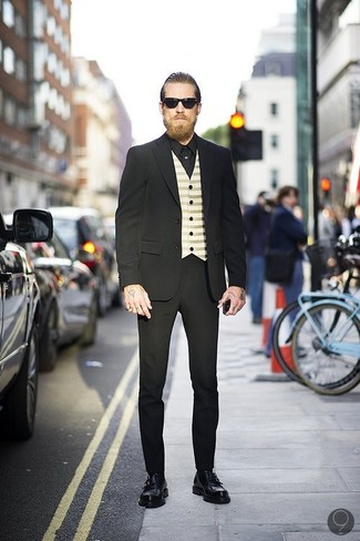 Traje negro chaleco de vestir en beige camisa de vestir negra large 547