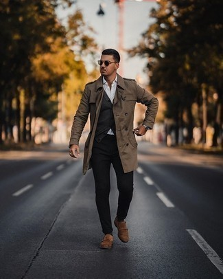 Socks Outfits For Men: If the setting permits casual city style, marry a brown trenchcoat with socks. A pair of brown suede double monks instantly boosts the classy factor of your getup.