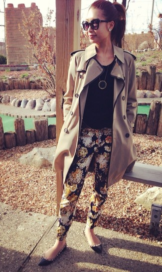 Reach for a tan trenchcoat and Lauren Ralph Lauren Floral Print Skinny Pants for a work-approved look. Make black studded leather ballerina shoes your footwear choice to have some fun with things. This one will play especially well come warmer days.