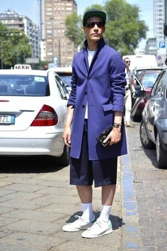 How to Wear Navy Shorts In Spring For Men: Wear a violet trenchcoat with navy shorts if you wish to look sharp without much effort. Give a dressed-down twist to your getup by rounding off with a pair of white canvas low top sneakers. Loving that this getup is great come warmer days.