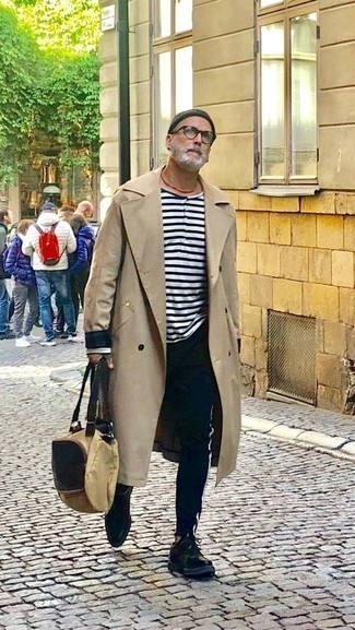 Beige Canvas Tote Bag Outfits For Men: Combining a beige trenchcoat with a beige canvas tote bag is an awesome pick for a casual outfit. For something more on the sophisticated side to complement this outfit, introduce black leather derby shoes to the mix.