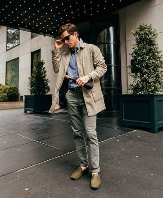 Men's Looks & Outfits: What To Wear In 2020: This combination of a beige trenchcoat and grey chinos is a must-try effortlessly smart getup for any gent. Complement this look with olive leather driving shoes to instantly kick up the street cred of this ensemble.