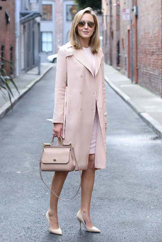 How to wear: pink trenchcoat, pink sheath dress, beige leather pumps, beige leather satchel bag