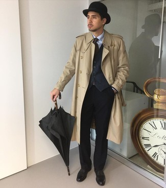 Coat Outfits For Men: For a look that's refined and gasp-worthy, pair a coat with a charcoal waistcoat. Bump up the dressiness of your ensemble a bit by finishing off with black leather oxford shoes.