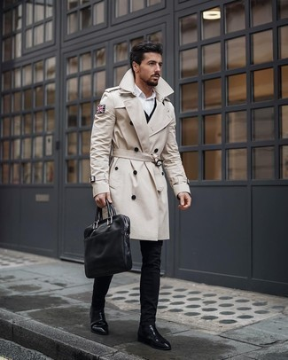 Trenchcoat Outfits For Men: This combination of a trenchcoat and black skinny jeans is hard proof that a safe off-duty ensemble can still look really interesting. Go the extra mile and change up your ensemble by finishing off with black leather chelsea boots.