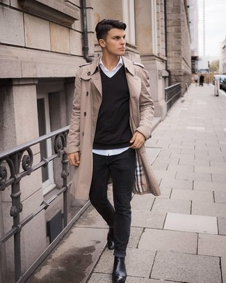 White Long Sleeve Shirt Outfits For Men: This combo of a white long sleeve shirt and black jeans is hard proof that a safe off-duty ensemble can still be seriously sharp. And if you want to effortlessly smarten up your look with a pair of shoes, introduce a pair of black leather chelsea boots to this getup.