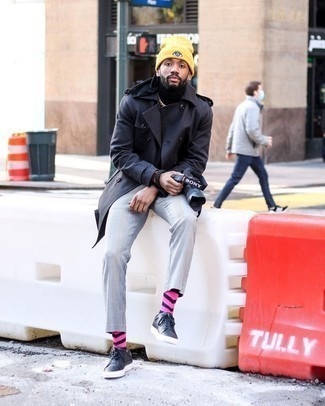 Orange Print Beanie Outfits For Men: A navy trenchcoat and an orange print beanie matched together are a perfect match. Consider a pair of navy leather low top sneakers as the glue that will pull your ensemble together.