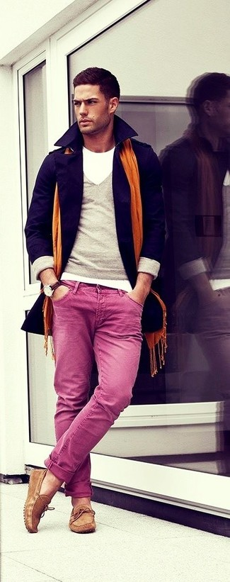 Pair a grey v-neck pullover with deep pink chinos for your nine-to-five. Brown leather tassel loafers are a great choice to complete the look.