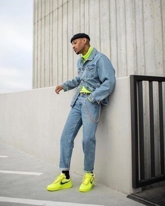 Green-Yellow Sneakers Outfits For Men