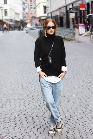 How to wear: black knit turtleneck, white dress shirt, light blue boyfriend jeans, black and white canvas low top sneakers