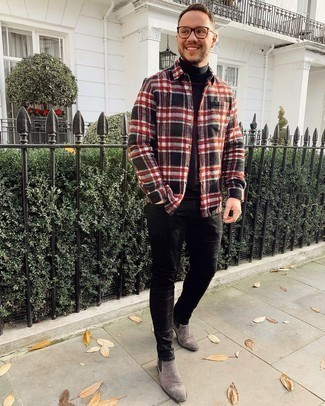 Black Turtleneck Outfits For Men: A black turtleneck and black skinny jeans are a combination that every fashionable gent should have in his casual sartorial collection. If you want to feel a bit more refined now, complete your outfit with grey suede chelsea boots.