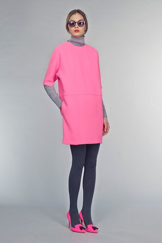 A grey turtleneck and a deep pink shift dress are appropriate for both smart casual events and day-to-day wear. Hot pink leather pumps are a good choice to complete the look.