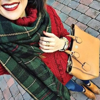 How to wear: red knit wool turtleneck, blue skinny jeans, tan suede chelsea boots, tan leather tote bag