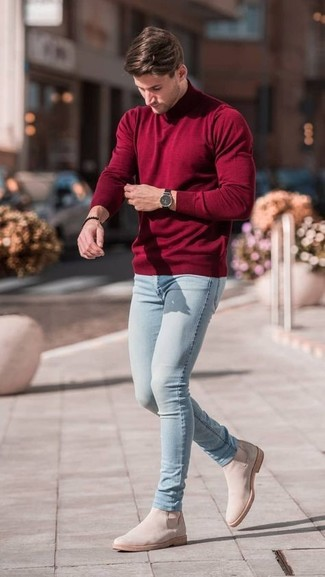 How to wear: burgundy turtleneck, light blue skinny jeans, beige suede chelsea boots, black watch