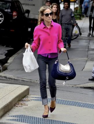Sarah Jessica Parker wearing Hot Pink Tweed Jacket, Purple Dress Shirt, Black Skinny Jeans, Dark Purple Suede Pumps