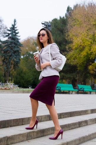 White Leather Handbag Outfits: If you're on a mission for a laid-back yet chic getup, go for a pink tweed jacket and a white leather handbag. A pair of burgundy leather pumps immediately elevates any ensemble.