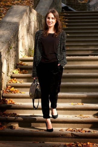 How to Wear a Charcoal Tweed Jacket For Women: For a look that brings function and chicness, try pairing a charcoal tweed jacket with black velvet pajama pants. Got bored with this look? Invite a pair of black suede pumps to mix things up.