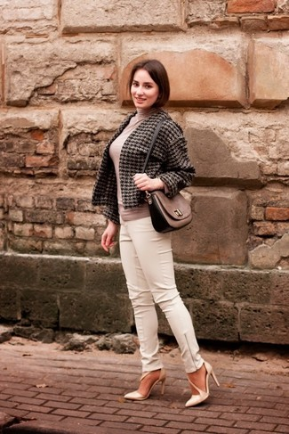 How to wear: charcoal houndstooth tweed jacket, beige turtleneck, white leather skinny pants, beige leather pumps