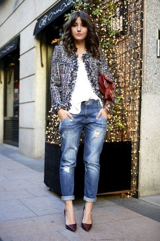How to wear: blue tweed jacket, white v-neck t-shirt, blue ripped boyfriend jeans, burgundy leather pumps