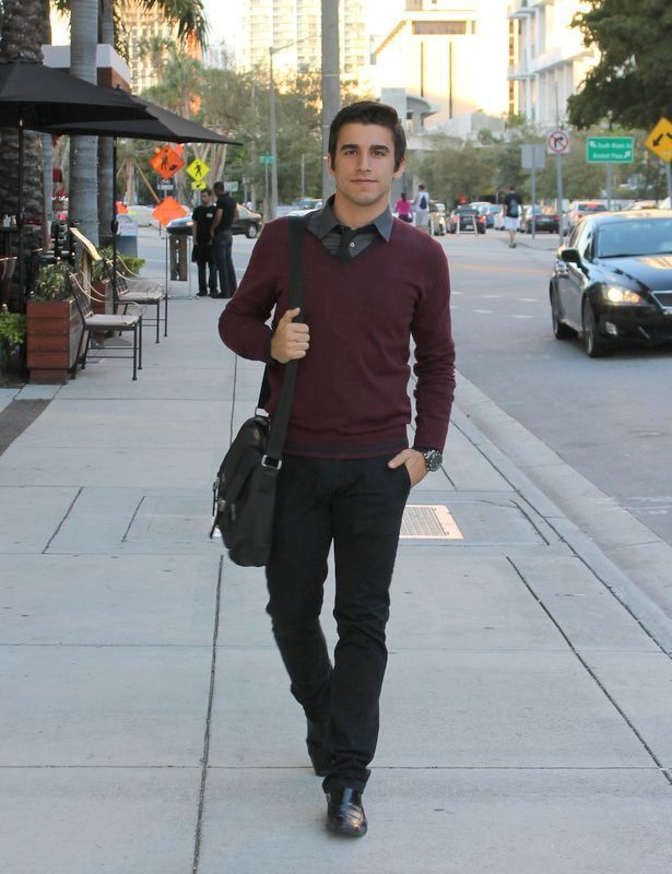 How to Wear a Burgundy V-neck Sweater (32 looks) | Men's Fashion