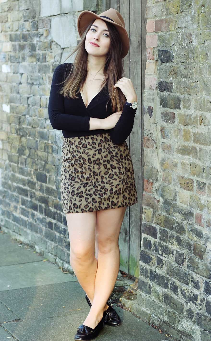 b3513340e7f4 How to Wear a Brown Leopard Mini Skirt (3 looks & outfits) | Women's ...