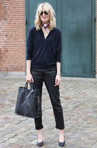 How to wear: black v-neck sweater, black leather skinny jeans, black leather pumps, black leather tote bag