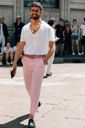How to Wear a White V-neck T-shirt For Men: You'll be amazed at how easy it is for any gent to put together this laid-back getup. Just a white v-neck t-shirt worn with pink chinos. If you need to immediately level up this look with one single piece, introduce a pair of navy leather loafers to the mix.