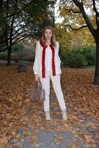 How to wear: white fur vest, white silk button down blouse, beige skinny pants, beige suede wedge sneakers