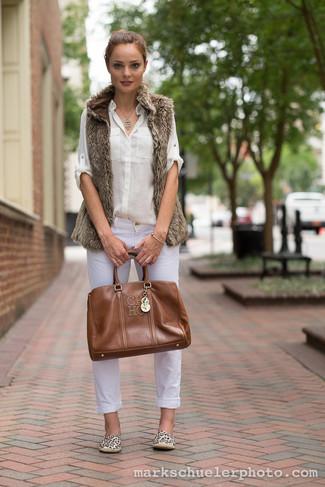 women 39 s brown fur vest white dress shirt white jeans brown leather tote bag beige leopard. Black Bedroom Furniture Sets. Home Design Ideas