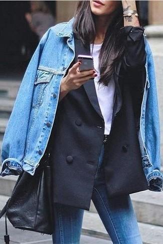 Pense à marier un blazer croisé noir Joseph avec un jean skinny bleu pour obtenir un look relax mais stylé.