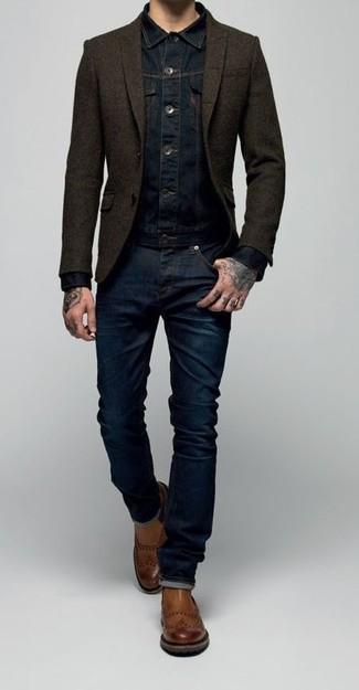 Harmonise une veste en jean bleu marine avec un jean bleu marine pour une tenue confortable aussi composée avec goût. Transforme-toi en bête de mode et fais d'une paire de des bottines chelsea en cuir brunes ton choix de souliers.