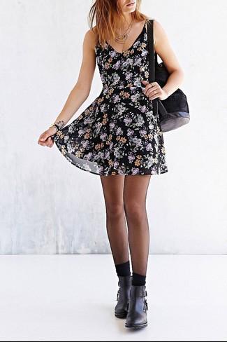 Cómo Combinar Un Vestido Casual Con Print De Flores Negro