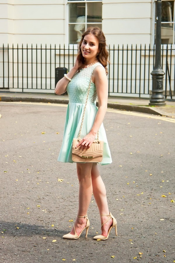 Collar para vestido verde menta
