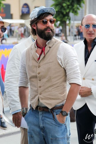 How to wear: beige waistcoat, white linen long sleeve shirt, light blue jeans, light blue baseball cap