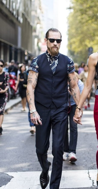 How to wear: black waistcoat, navy floral short sleeve shirt, black dress pants, black leather derby shoes