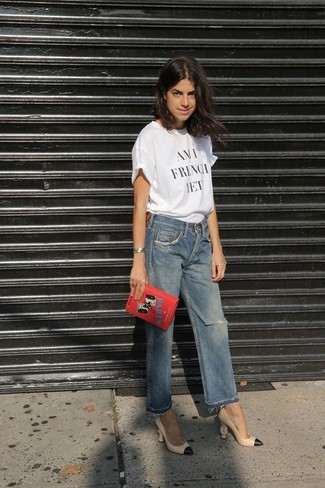 How to wear: white and black print crew-neck t-shirt, blue ripped boyfriend jeans, beige leather pumps, red embroidered clutch