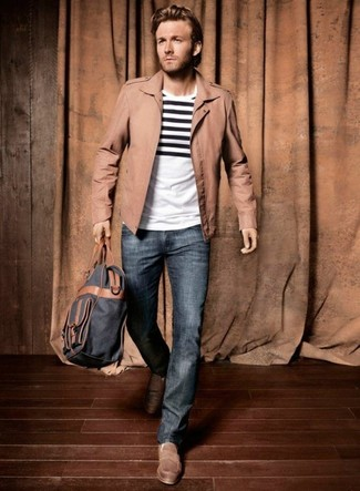 How to wear: white and black horizontal striped crew-neck t-shirt, blue jeans, brown driving shoes, navy backpack