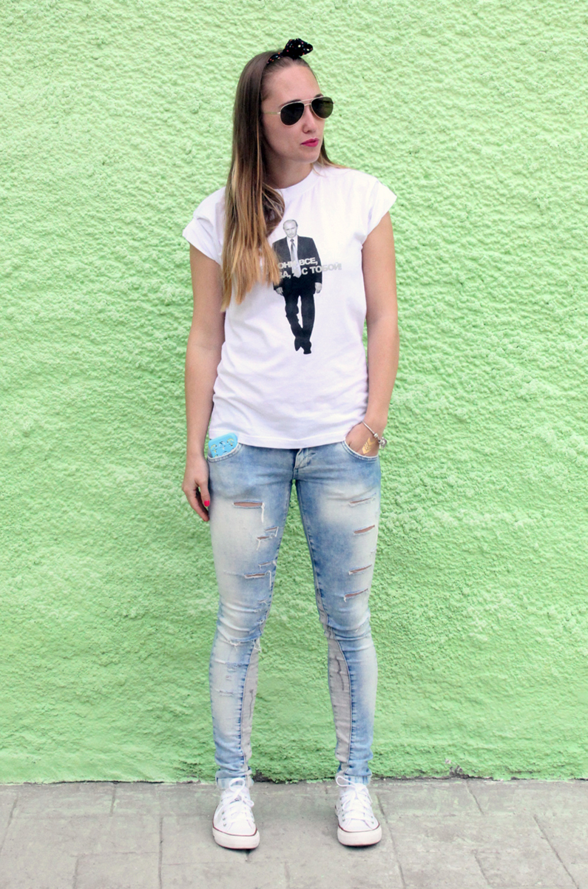 Black t shirt light blue jeans - A Monochrome Print Crew Neck T Shirt And Baby Blue Jeans Will Give Off Black