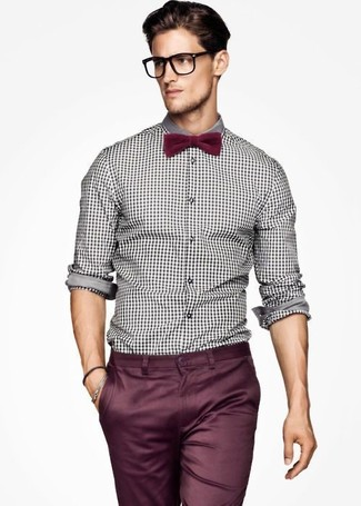 How to Wear a Burgundy Bow-tie For Men: Marry a white and black gingham long sleeve shirt with a burgundy bow-tie to pull together an interesting and modern-looking off-duty outfit.