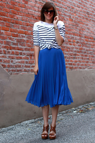 How to wear: white and black horizontal striped long sleeve t-shirt, blue pleated midi skirt, brown leather heeled sandals